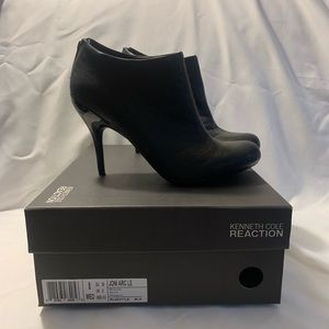 Kenneth Cole Reaction Leather Booties